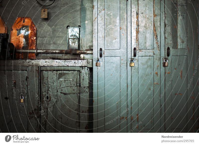 Arbeitswelt blau alt 1 Zeit Arbeit & Erwerbstätigkeit orange Ordnung Industrie Ziffern & Zahlen Zeichen Beruf Fabrik Zukunftsangst Werkstatt Handwerk Schloss