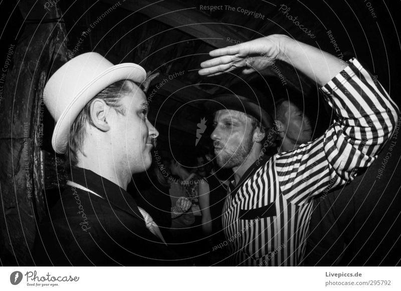 chalet 2013a Nachtleben Party Club Disco ausgehen clubbing Tanzen Mensch maskulin Mann Erwachsene Körper 30-45 Jahre Mode Bekleidung Hemd Krawatte Hut sprechen