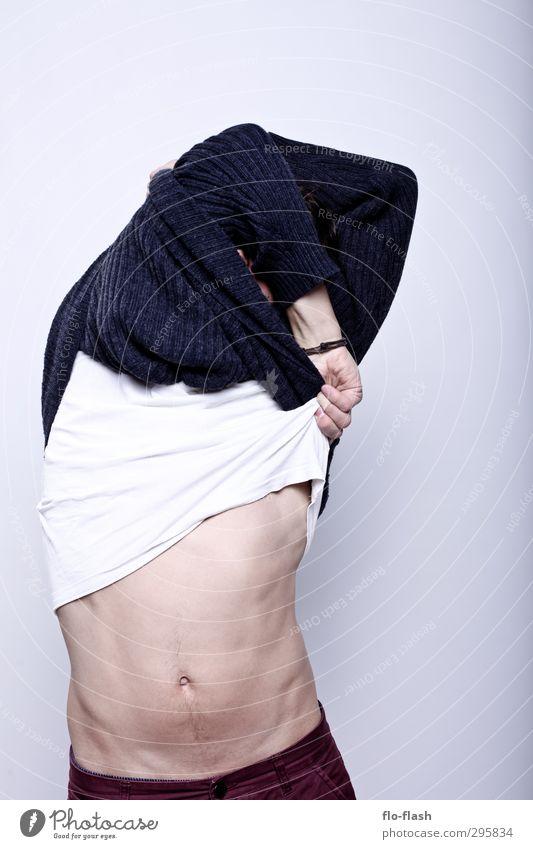 F**K OFF WINTER Mensch Jugendliche Mann Sommer Junger Mann Erotik Freude 18-30 Jahre Erwachsene Leben Schnee Mode maskulin frei Körper stehen