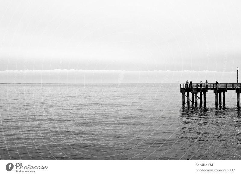 Meerblick. Natur Wasser Wolken ruhig Erholung Umwelt Leben Herbst Küste grau Schwimmen & Baden Luft Wellen Wind frei