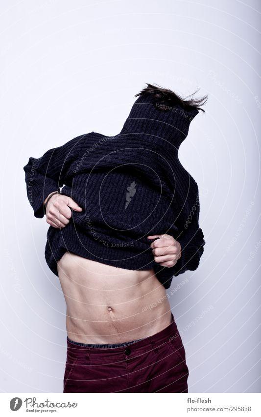F**K OFF WINTER III Körper sportlich maskulin Junger Mann Jugendliche Erwachsene Bauch 1 Mensch 18-30 Jahre 30-45 Jahre Bauchtänzer Mode Pullover Brunft Blühend