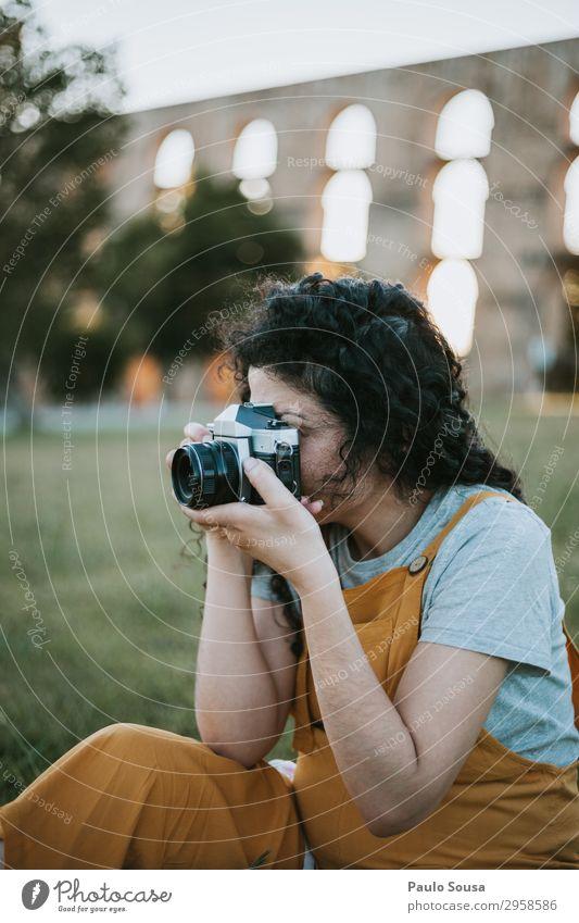 Mensch Ferien & Urlaub & Reisen Jugendliche Junge Frau Sommer Freude 18-30 Jahre Lifestyle Erwachsene Leben natürlich feminin Glück Kunst Tourismus