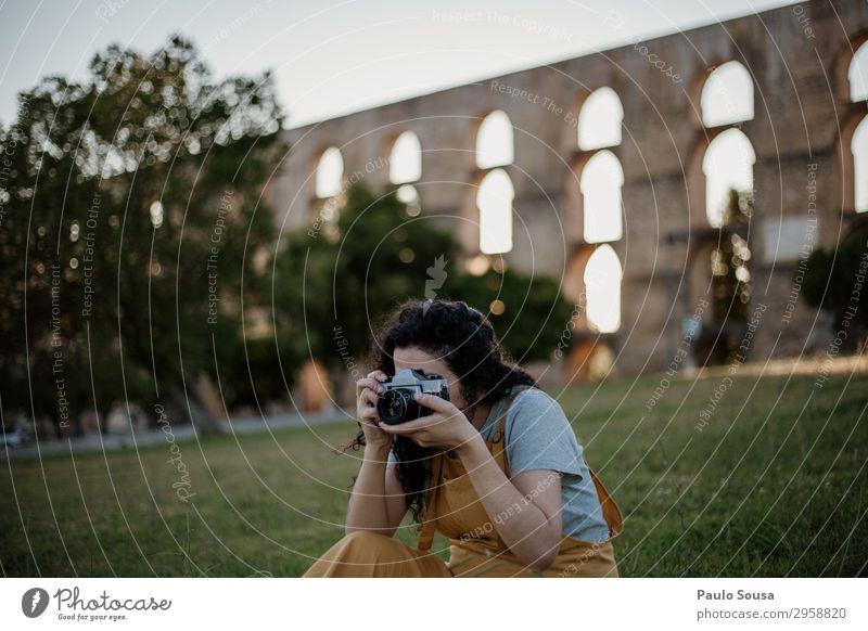 Mensch Ferien & Urlaub & Reisen Natur Jugendliche Junge Frau Sommer Erholung Freude 18-30 Jahre Lifestyle Erwachsene feminin Kunst Tourismus Freizeit & Hobby