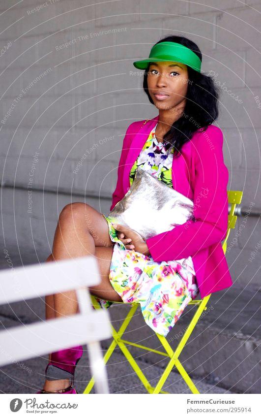 NYC Girl II Mensch Frau Jugendliche grün schön Freude Junge Frau Erwachsene gelb feminin 18-30 Jahre Stil Mode rosa sitzen Freizeit & Hobby