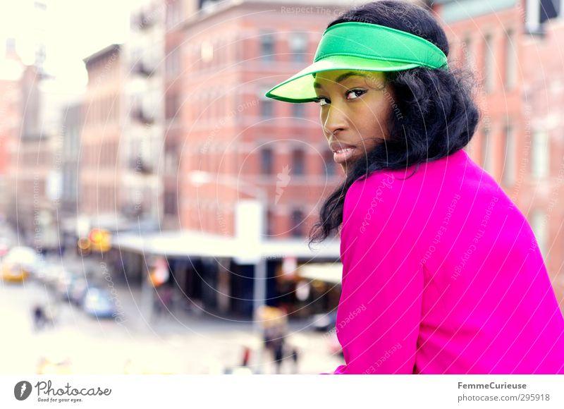 NYC Girl V Mensch Frau Jugendliche Ferien & Urlaub & Reisen grün schön Stadt Junge Frau Erwachsene feminin 18-30 Jahre Stil Mode rosa Freizeit & Hobby elegant