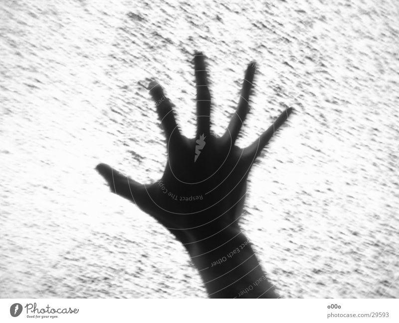 Lost in TV weiß schwarz dunkel Fernsehen tauchen gruselig böse Außerirdischer diffus Rauschen