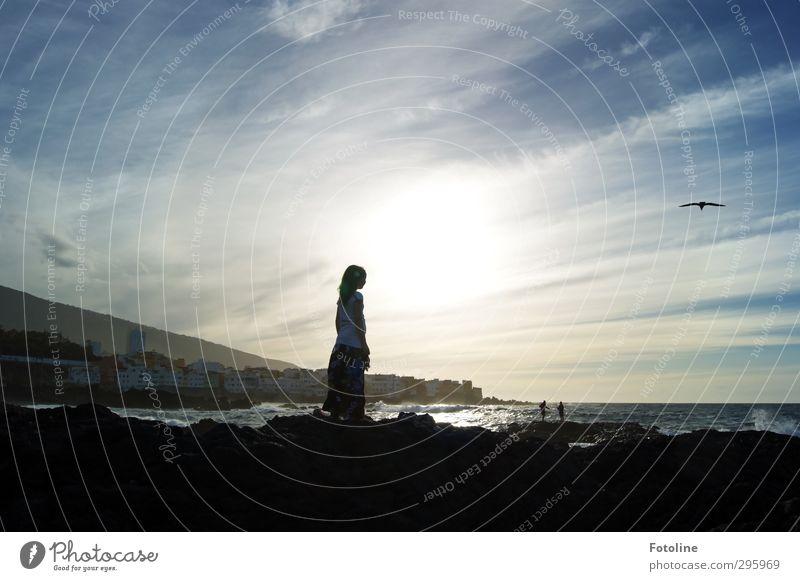 Jugendfoto | Ferien am Meer Mensch Mädchen 1 8-13 Jahre Kind Kindheit Umwelt Natur Urelemente Wasser Himmel Wolken Horizont Sommer Wellen Küste Strand Insel