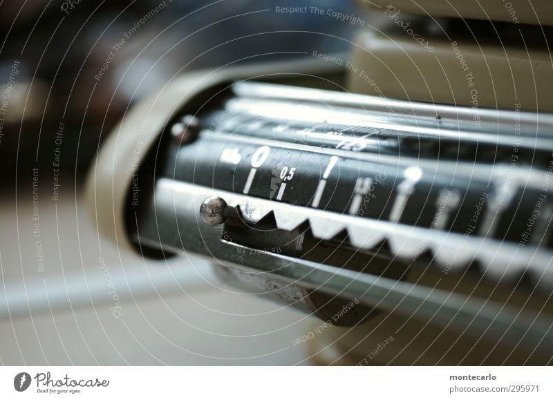 Jugendfoto | Omas Waage Stil Design Küche Metall alt einfach retro Farbfoto mehrfarbig Innenaufnahme Nahaufnahme Detailaufnahme Menschenleer Tag Licht Schatten