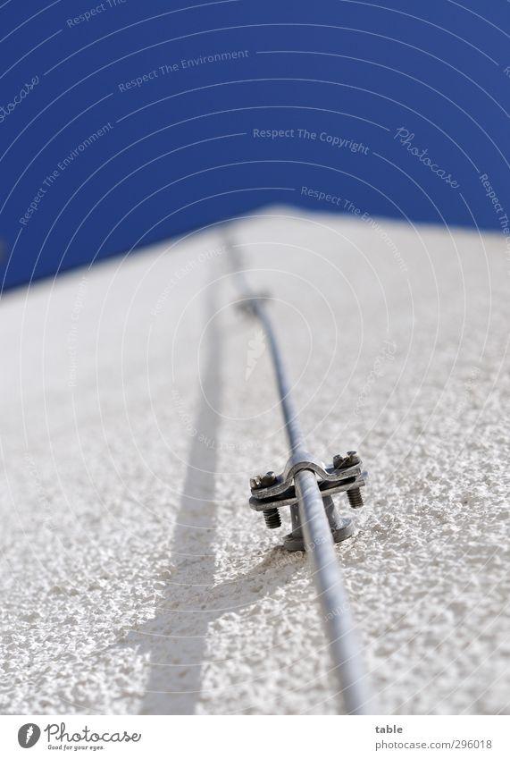 lange Leitung Himmel blau weiß Sommer Umwelt Wand Mauer Frühling grau Stein Linie Metall Luft Fassade hoch Schönes Wetter