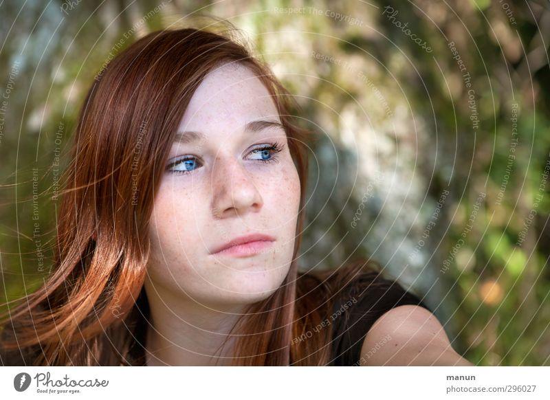 Mädel Mensch feminin Mädchen Junge Frau Jugendliche Kindheit Leben Gesicht 1 13-18 Jahre Natur Sommer beobachten Denken Blick Traurigkeit authentisch natürlich