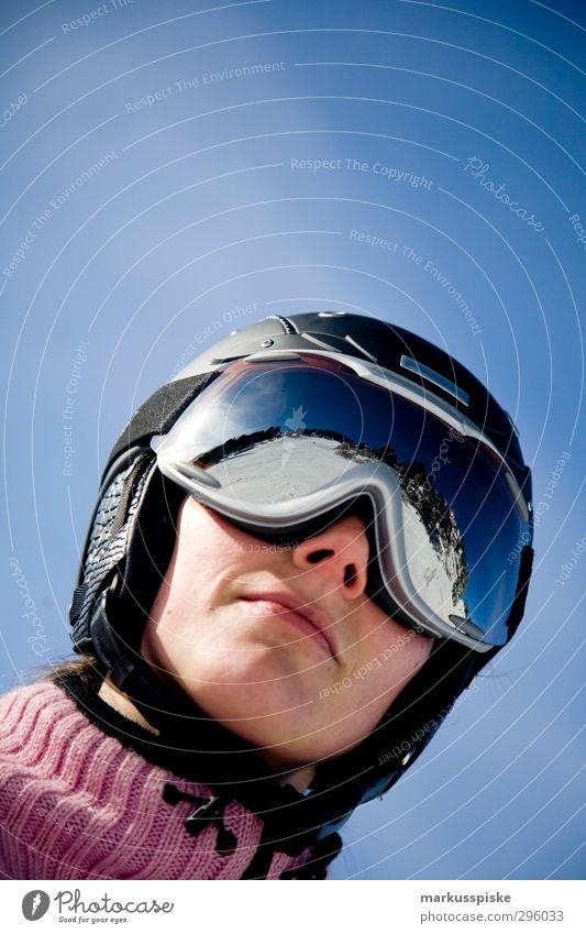 safety first Ferien & Urlaub & Reisen Jugendliche schön Junge Frau Winter 18-30 Jahre Berge u. Gebirge Erwachsene Schnee feminin Sport Kopf Design träumen
