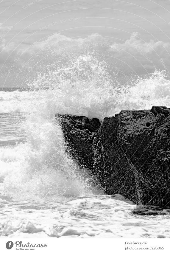 oh Bali Himmel Natur Wasser weiß Sommer Meer Landschaft Wolken Strand schwarz Umwelt Küste Felsen Wellen Wind Kraft
