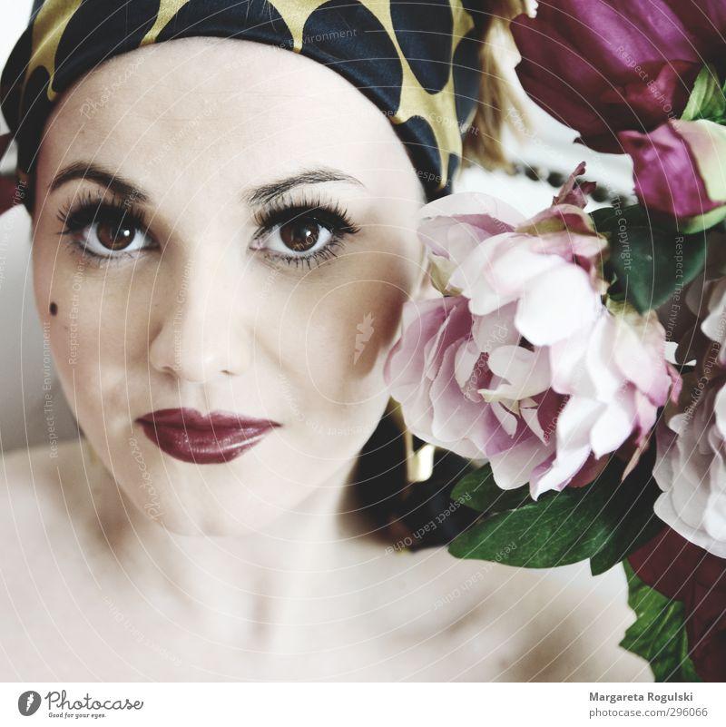 blumenmädchen elegant Stil schön Haut Gesicht Schminke Lippenstift Wimperntusche Mensch feminin Junge Frau Jugendliche Erwachsene Auge Mund 1 18-30 Jahre Mode