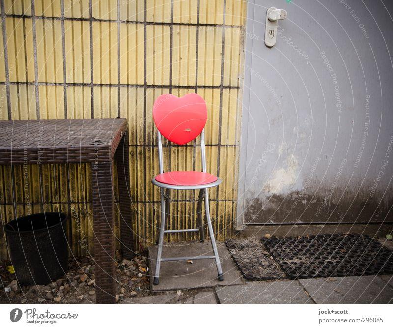 Herzplatz schön Einsamkeit rot Leben Wand Liebe lustig Mauer Lifestyle Freizeit & Hobby dreckig Tür Design authentisch Herz Lebensfreude