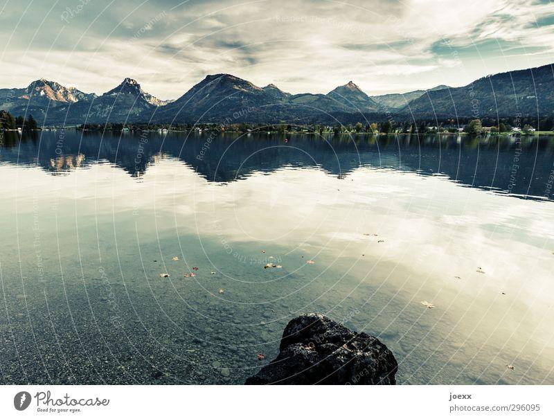 Abersee Berge u. Gebirge Landschaft Wasser Himmel Wolken Sommer Schönes Wetter Alpen Seeufer Wolfgangsee Österreich Stein hoch blau grau grün schwarz weiß