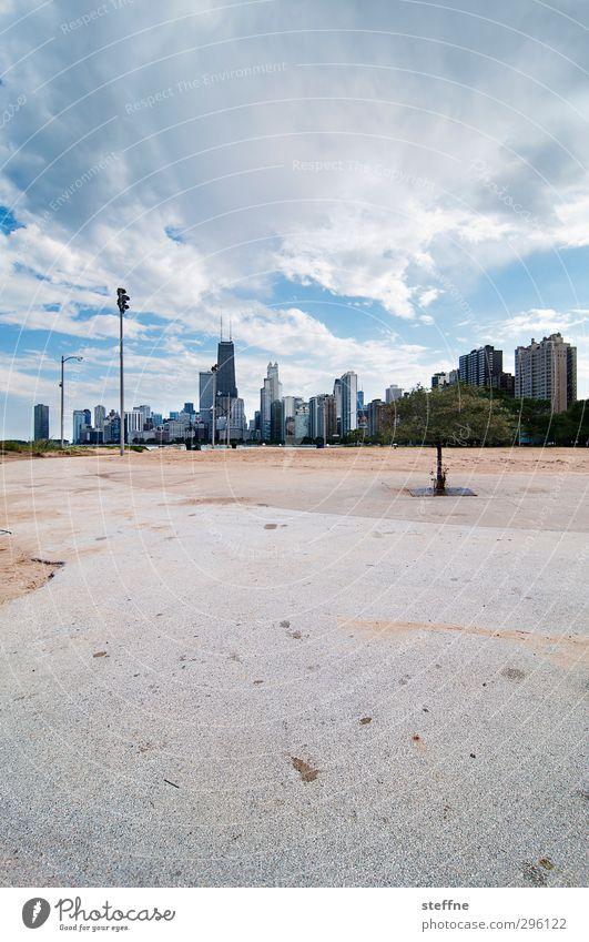 stranded Himmel Wolken Schönes Wetter Chicago USA Stadt Skyline Hochhaus Strand Ferne Freiheit Laterne Aussicht Spaziergang Farbfoto Weitwinkel
