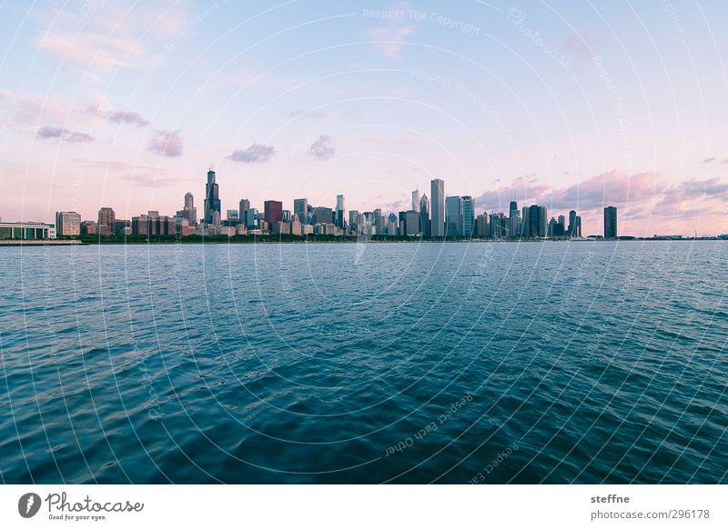 Den Morgen einatmen Wasser Himmel Sonnenaufgang Sonnenuntergang Sommer Schönes Wetter Wellen Küste Seeufer Michigan See Chicago USA Stadt Skyline Hochhaus