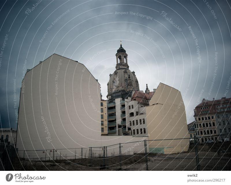 Monument Himmel Wolken Haus Wand Architektur Mauer Religion & Glaube Gebäude Deutschland Fassade groß Kirche Baustelle neu Bauwerk Skyline