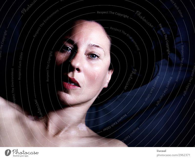 wahre Schönheit im Erwachsenenalter Lifestyle schön Gesicht Erholung Mensch feminin Frau Haut Kopf Auge Ohr Nase Mund Lippen 1 45-60 Jahre beobachten Blick