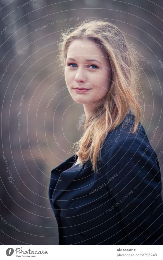 Port Mensch Frau Jugendliche Erwachsene feminin 18-30 Jahre elegant ästhetisch gut selbstbewußt
