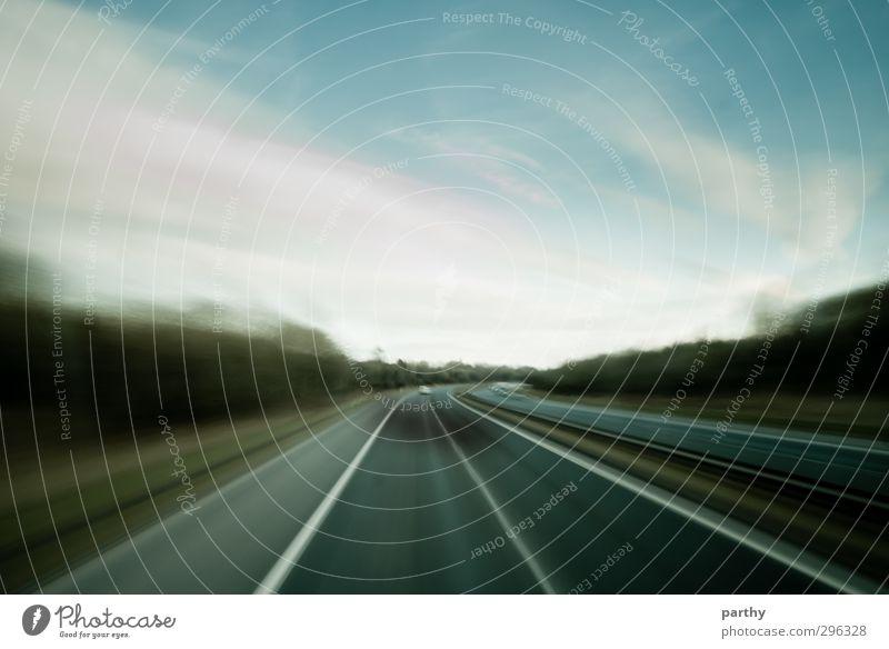 Fast Lane Umwelt Himmel Wolken Baum Verkehr Verkehrswege Straßenverkehr Autofahren Busfahren Autobahn Ferien & Urlaub & Reisen Geschwindigkeit blau braun grün
