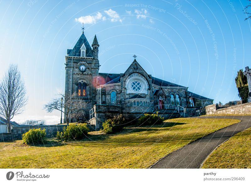 Church Hill Natur Himmel Wolken Sonne Frühling Garten Wiese Hügel Berge u. Gebirge Dorf Kirche Glaube Religion & Glaube Farbfoto mehrfarbig Außenaufnahme