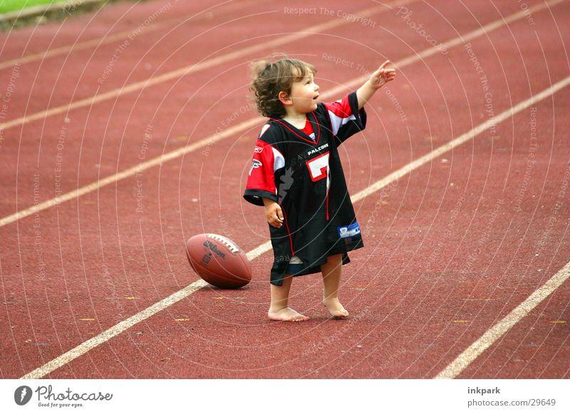 Go, Go, Go American Football Sport Junge Aschbahn zeigen Jersey Linie Rasen