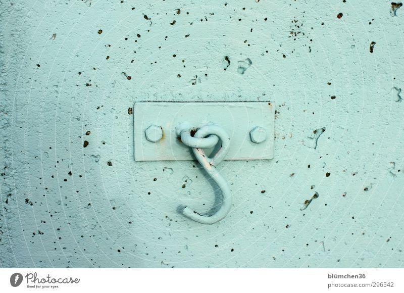 Wo ist der Haken? Wand Mauer Beton Metallwaren einfach türkis hängen Schraube aufhängen Farben und Lacke Ordnungsliebe gestrichen