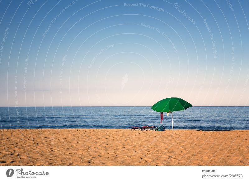 Strandurlaub Lifestyle Ferien & Urlaub & Reisen Tourismus Ferne Sommer Sommerurlaub Sonne Sonnenbad Meer Landschaft Urelemente Sand Wasser Wolkenloser Himmel