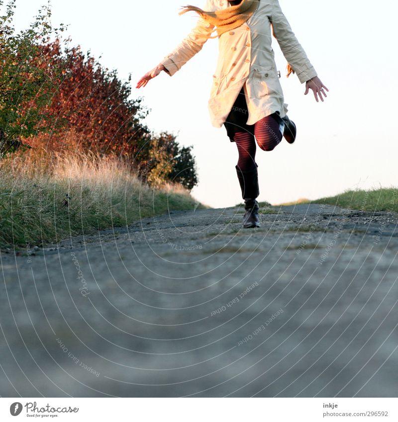 spring Mensch Frau Natur Ferien & Urlaub & Reisen Freude Landschaft Erwachsene Umwelt Leben Herbst Gefühle Frühling Bewegung Freiheit Stil Gesundheit