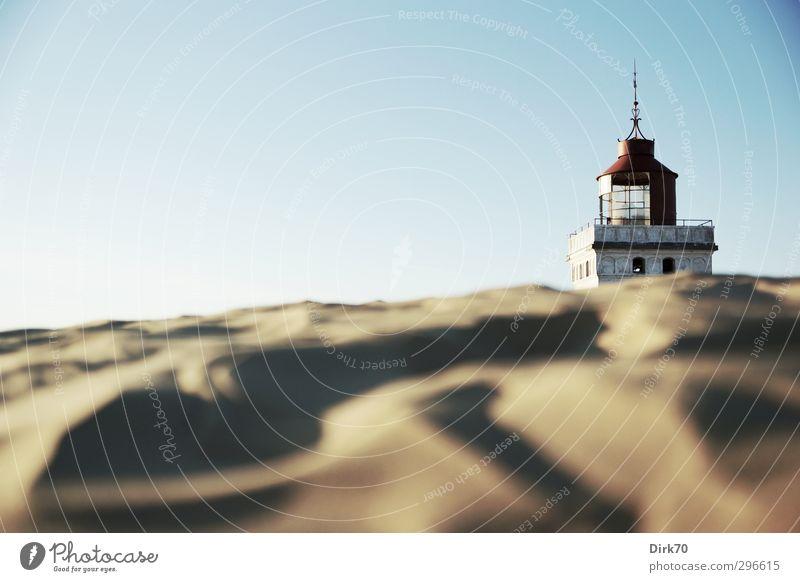 Rubjerg Knude Fyr, hinter der Wanderdüne Ferien & Urlaub & Reisen Sommer Sommerurlaub Strand Wanderdüne Rubjerg Knude Düne Sand Wolkenloser Himmel