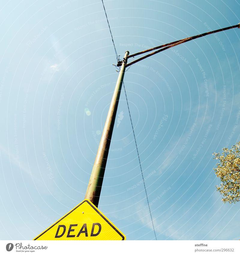 END Wolkenloser Himmel Sonnenlicht Schönes Wetter Verkehrszeichen Verkehrsschild Sackgasse Ende Endzeitstimmung Tod Chicago Farbfoto Textfreiraum links
