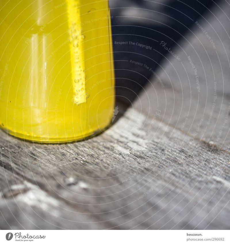 oben ohne. Farbe gelb kalt Holz grau Lebensmittel glänzend Glas Getränk Ernährung süß genießen rund trinken Flüssigkeit lecker