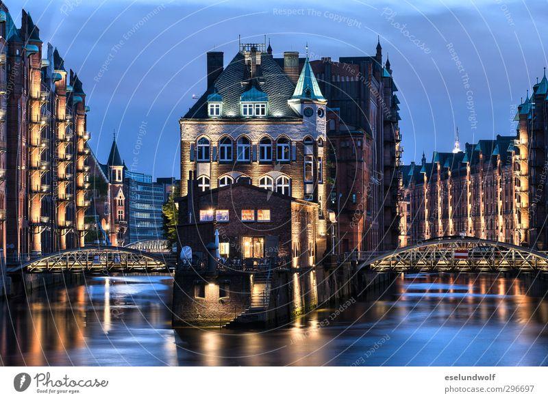 Speicherstadt Hamburg Deutschland Europa Stadt Hafenstadt Menschenleer Industrieanlage Brücke Bauwerk Gebäude Architektur Sehenswürdigkeit Alte Speicherstadt