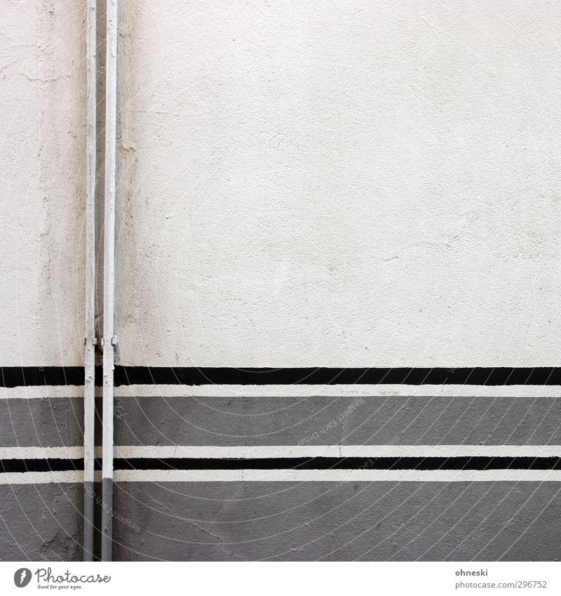 Rohre Wand Mauer grau Linie Fassade Beton Röhren Heizung