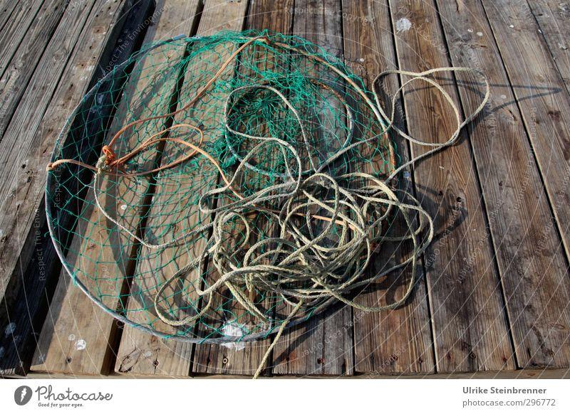 Catcher Ferien & Urlaub & Reisen Holz Metall liegen Freizeit & Hobby Ordnung Kreis Seil Kunststoff Netz Zusammenhalt Angeln Anlegestelle Gerät Holzbrett durcheinander