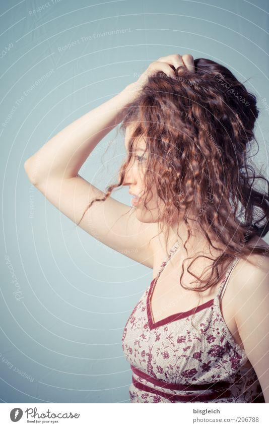 Katharina 12 feminin Junge Frau Jugendliche Kopf Haare & Frisuren Mensch 18-30 Jahre Erwachsene schön grün rot Farbfoto Studioaufnahme Hintergrund neutral