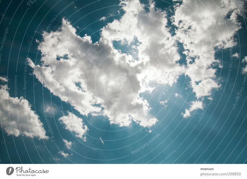 Hitzehimmel Natur Urelemente Luft Himmel nur Himmel Wolken Sonne Frühling Sommer Klima Wetter Schönes Wetter Wärme leuchten blau weiß Ferne Farbfoto