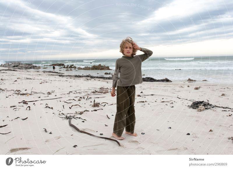 227 [der Junge und das Meer] Mensch Kind Himmel Natur Ferien & Urlaub & Reisen Landschaft Wolken Strand Umwelt Ferne Leben Spielen Freiheit Sand