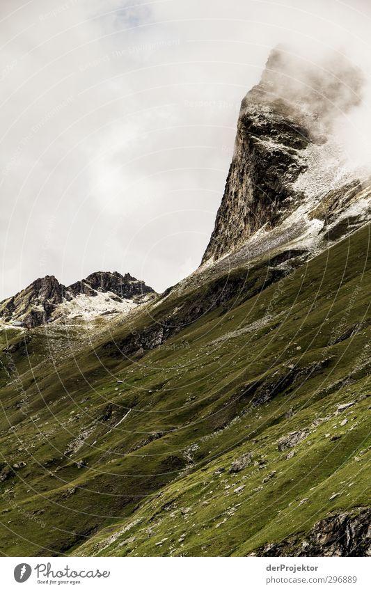 Wolkenkratzer Umwelt Natur Landschaft Pflanze Urelemente Himmel Sommer Klima Wetter Schönes Wetter schlechtes Wetter Schnee Felsen Alpen Berge u. Gebirge Gipfel