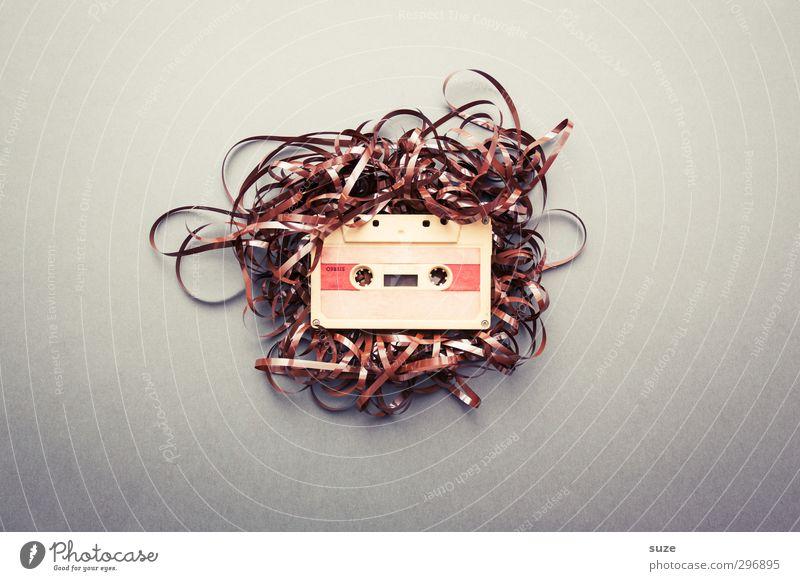 Muckefuck Lifestyle Stil Design Freizeit & Hobby Musik Musik hören Medien alt authentisch einfach kaputt lustig retro braun grau chaotisch Kreativität