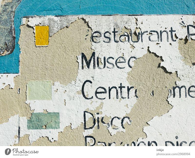 kubanisches Hinweisschild Menschenleer Fassade Stein Beton Schriftzeichen Schilder & Markierungen alt kaputt Tourismus Verfall Vergänglichkeit verwittert