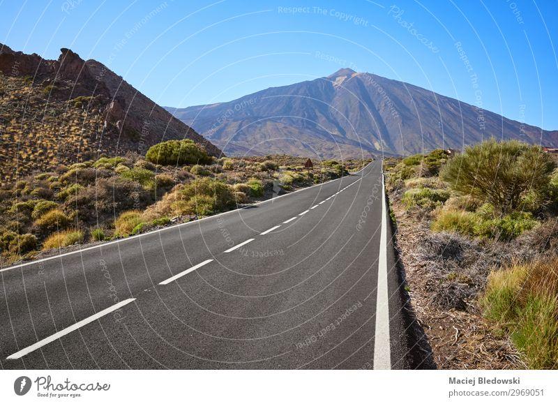 Panoramastraße mit dem Teide im Hintergrund, Teneriffa, Spanien. Ferien & Urlaub & Reisen Tourismus Ausflug Abenteuer Ferne Freiheit Expedition Fahrradtour