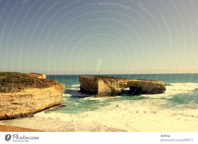 Australia's London Bridge Ferien & Urlaub & Reisen Sommer Sonne Meer Landschaft Ferne Freiheit Küste Felsen Wellen wild Tourismus Ausflug Abenteuer Sommerurlaub