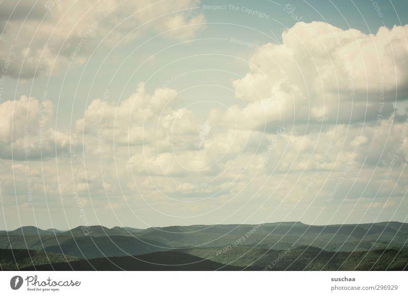 ich schau so weit ich kann ... Umwelt Natur Landschaft Urelemente Luft Himmel Wolken Sommer Klima Klimawandel Wetter Schönes Wetter Hügel Unendlichkeit Horizont