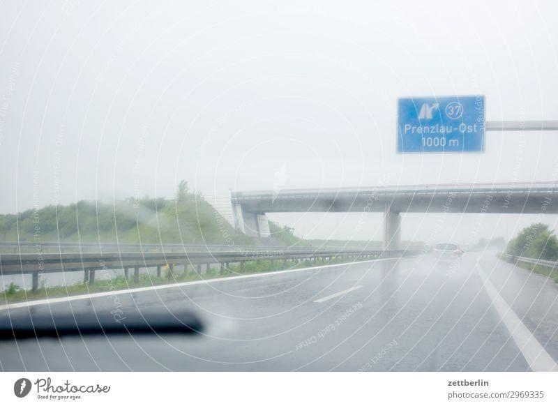 Prenzlau Ost Autobahn Tourismus Ferien & Urlaub & Reisen Reisefotografie fahren Personenverkehr Ausflug unterwegs Regenwasser Wetter Brücke Autobrücke