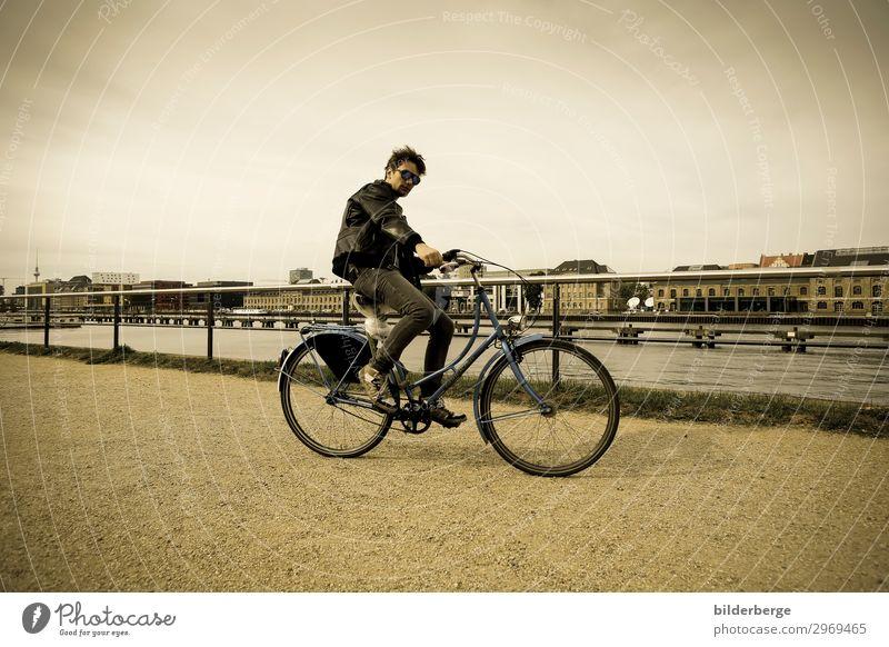 berlin-style 16 Mensch Jugendliche Junger Mann Freude Leben Berlin Küste Stil Mode Freizeit & Hobby maskulin Fahrrad Kraft Fahrradfahren Coolness Städtereise
