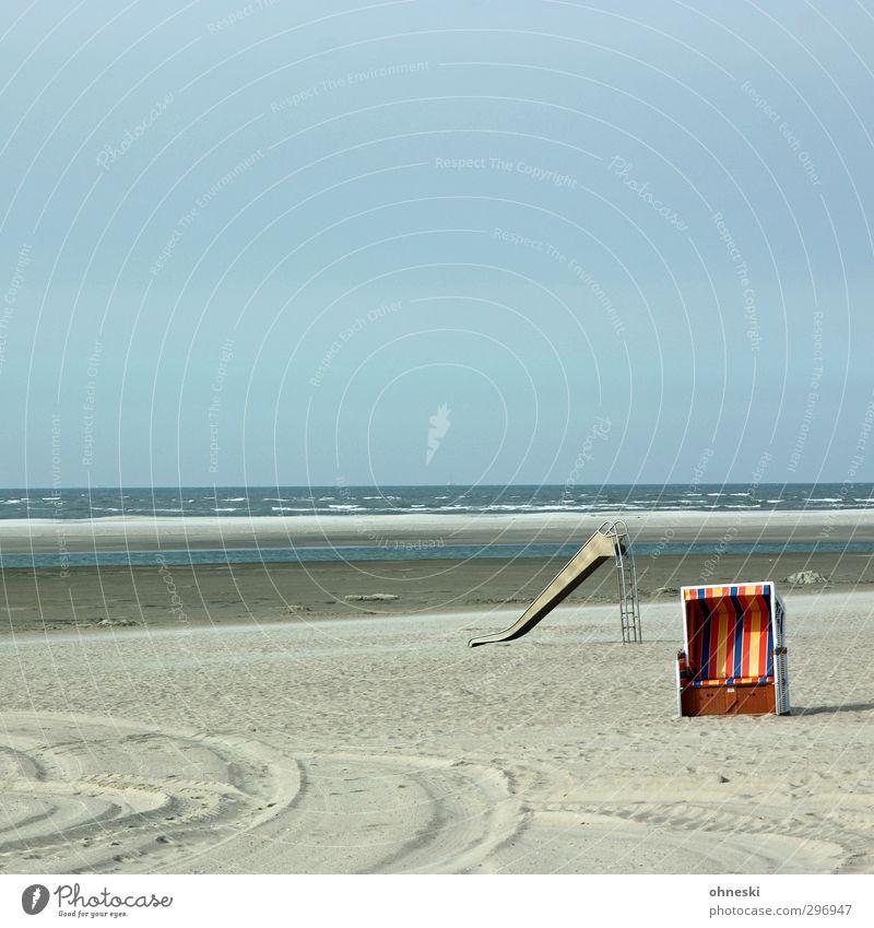 Mit Sonne Ferien & Urlaub & Reisen Strand Meer Insel Sand Küste Nordsee Langeoog Rutsche Strandkorb Erholung Pause Ferne Farbfoto mehrfarbig Außenaufnahme