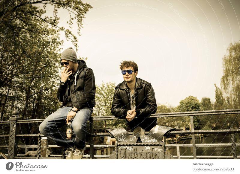 berlin-style 3 Lifestyle Leben lernen Student Freundschaft Künstler Mode Sonnenbrille Coolness trendy modern rebellisch retro Kraft Brille Brillengestell Jugend