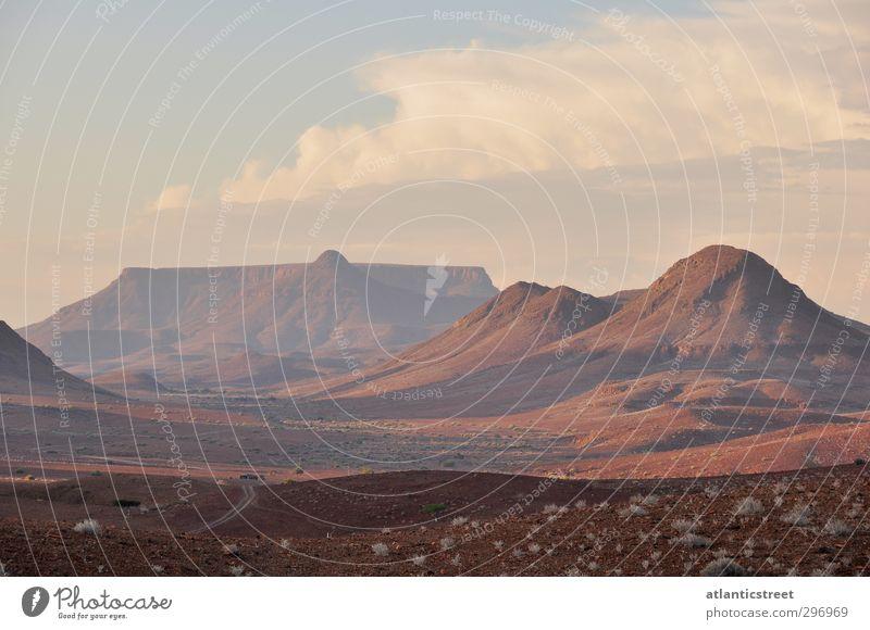 Damaraland Abendstimmung Natur Ferien & Urlaub & Reisen rot Einsamkeit Landschaft Ferne Berge u. Gebirge Freiheit braun träumen Stimmung Erde Abenteuer Ewigkeit